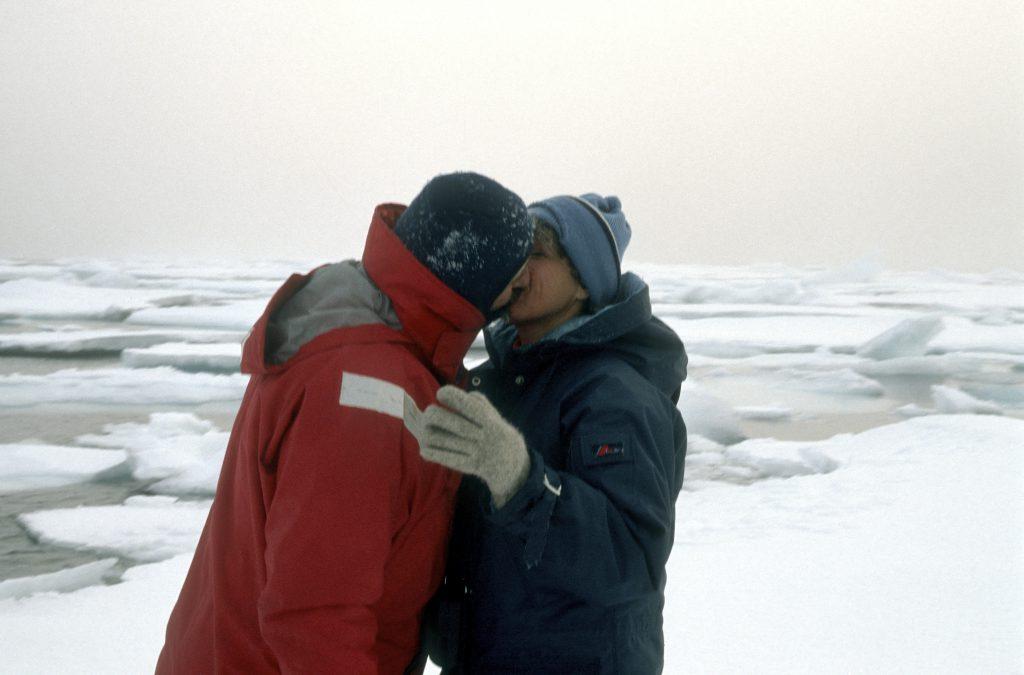 Eisiger Kuss von Heide und Erich auf 80° Nord